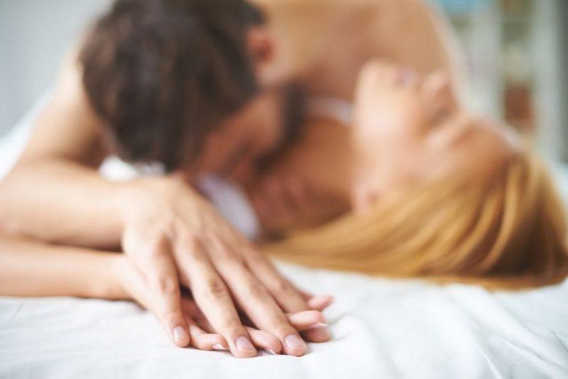 casal-fazendo-sexo