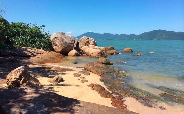 Praia Pedras Altas
