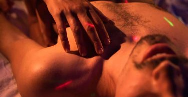 Massagem lingam